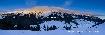 Panorama cu cresta Pietrei Craiului iarna