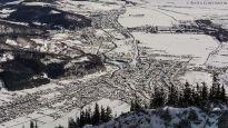 Orasul Zarnesti iarna fotografie aeriana