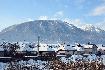 Cartier de case pe valea Barsei la Zarnesti pe timp de iarna